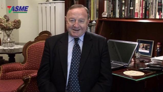 CIA zrobiła euromajdan we Francji i prezydent Macron się zaśmiardł – Stanisław Michalkiewicz