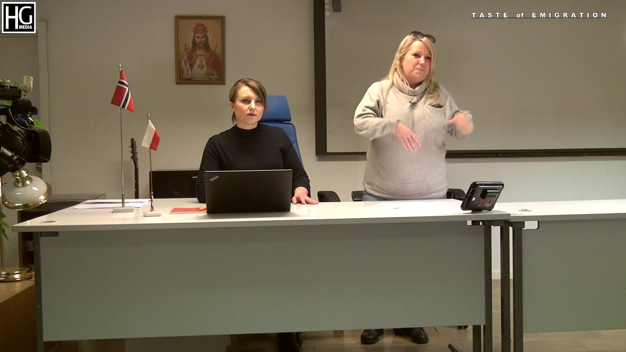 Dorota Korzeniecka i mecenas  Gracja Skallerud w Domu Polskim